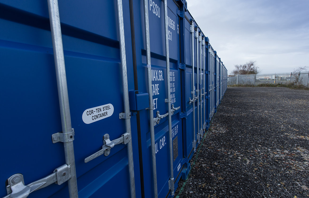 LN6 Self Storage containers